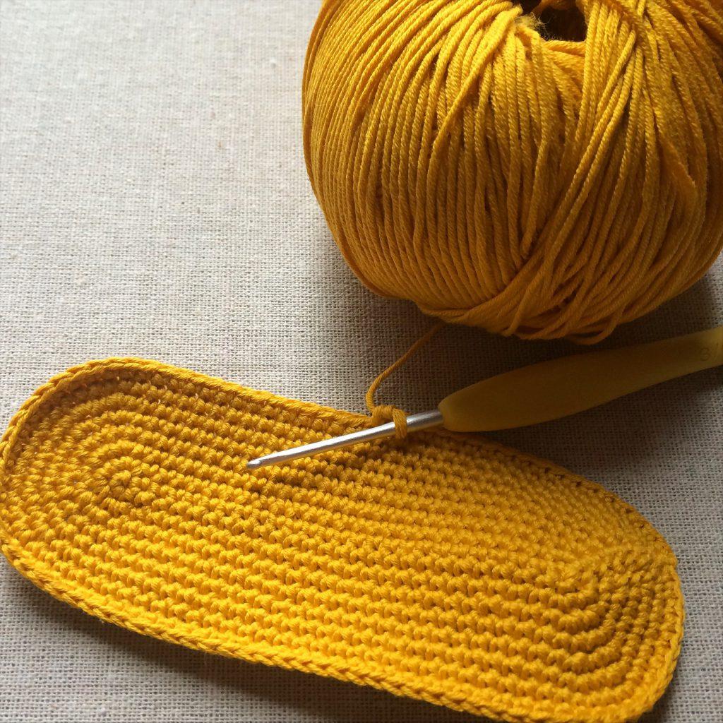 細編みの楕円形